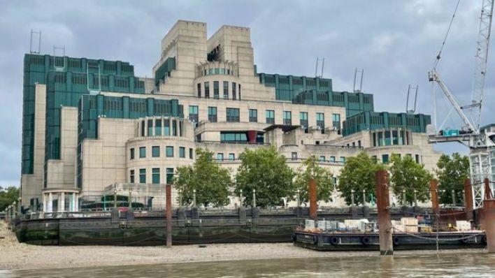 منظر عام لمقر جهاز الاستخبارات الخارجية البريطاني MI6 في لندن