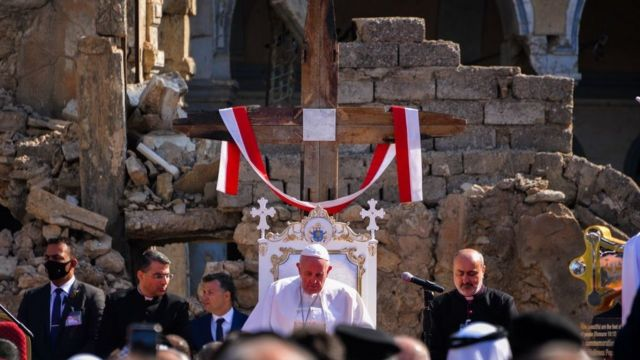 Pope Francis in the destroyed neighborhood of Hus al-Baya in Mosul
