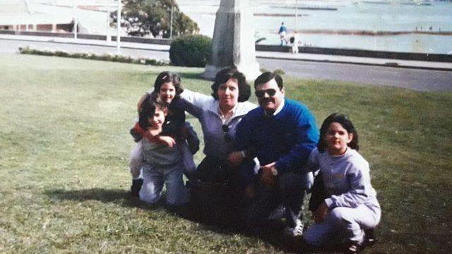 Analía Kalinec con su familia en los años 80