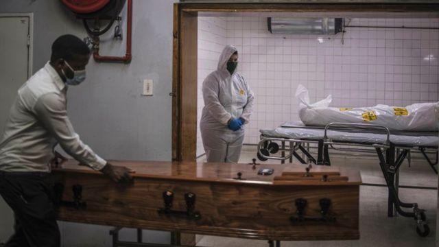 Morgue de un hospital en Sudáfrica.