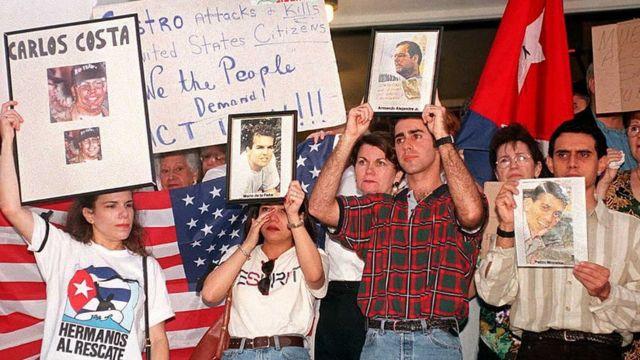 Protesta contra Cuba por el derribo de avionetas de Hermanos al Rescate.