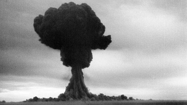 صورة لانفجار قنبلة RDS-1