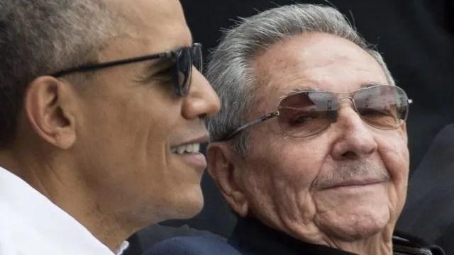 2016년 버락 오바마 당시 미국 대통령과 라울 카스트로(왼쪽)