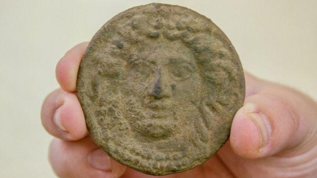 Монета з Медузою Горгоною