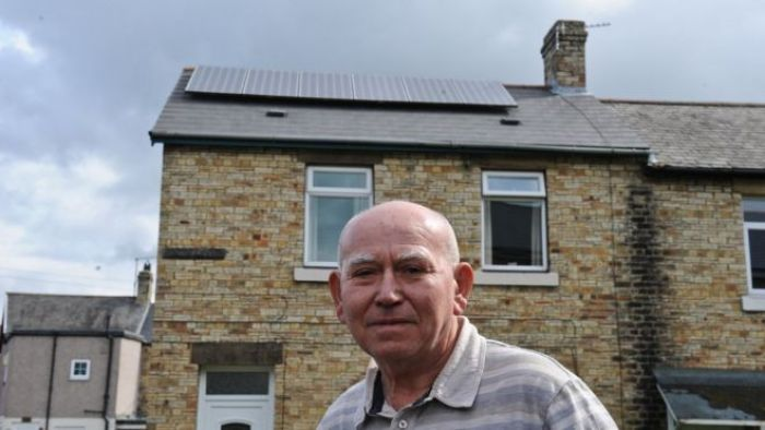 BBC: Solar panels: Thousands of customers complain | Watts