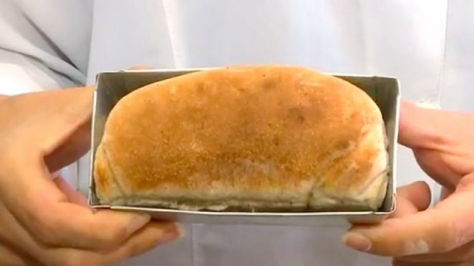 Hamam böcekli ekmek