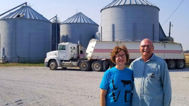 الزوجان تيري وسوزان هيهرست في مزرعتهما