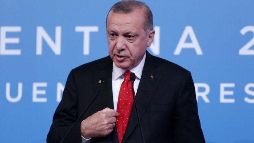 Erdogan wuxuu sheegay in uusan waxyeello u gaysaneeynin sumcaddaboqortooyada Sucuudiga qoyska