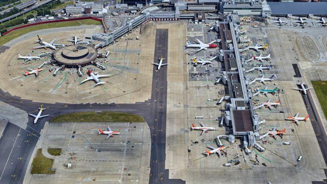 gatwick bound plane forced