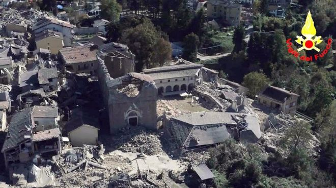 Thị trấn Amatrice đã bị động đất tàn phá vài lần trong những tháng gần đây