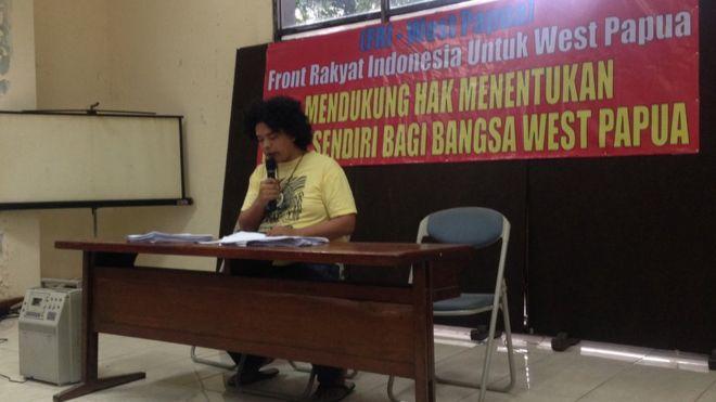 Juru bicara FRI-West Papua, Surya Anta dalam konferensi pers di Jakarta, 29 November 2016