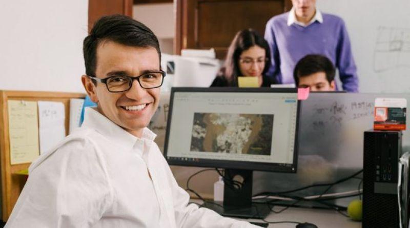 Innovador invento del colombiano Santiago Saavedra, para detectar minería ilegal, fue premiado por Google