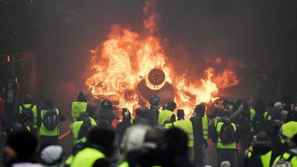 104578273 mediaitem104578272 - Mais de 200 pessoas são presas em confronto com a Polícia no 3º fim de semana de protestos em Paris