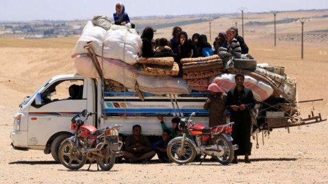 シリア内戦で住まいを失ったり国外で難民となった人は1200万人に上る