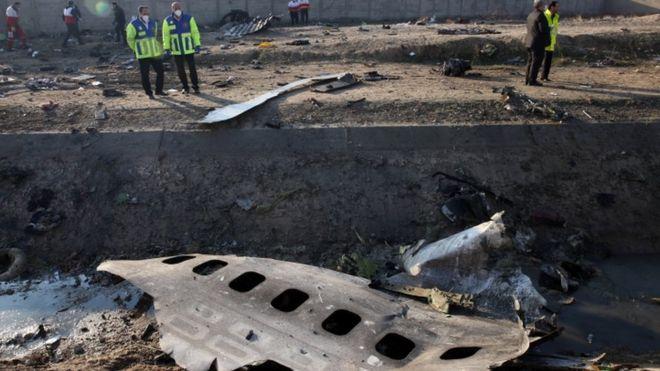 """ایران بعد از سه روز انکار، سرانجام اذعان کرد که پدافند سپاه پاسداران """"به خاطر خطای انسانی"""" این هواپیما را هدف قرار داده"""
