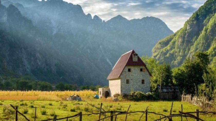 Arnavutluk'ta bir dağ evi