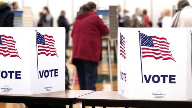 Cabine eleitoral em 2012