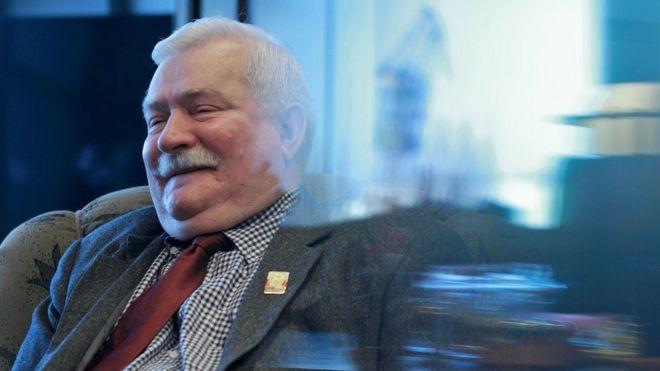 Ông Lech Walesa sau thắng cử làm Tổng thống dân chủ đầu tiên của Ba Lan trong thập niên 1990