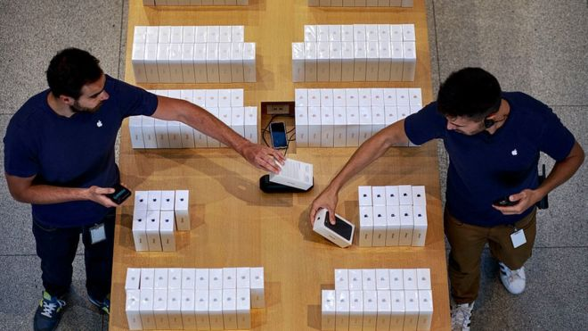 iPhone 7 on sale in Apple store
