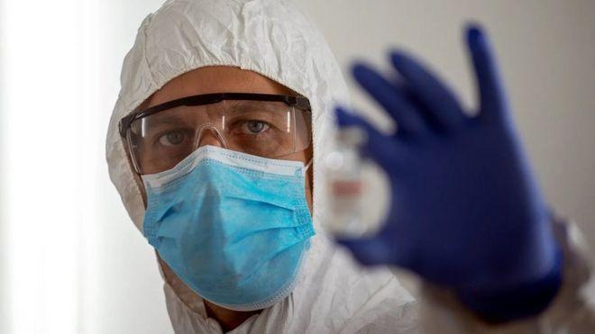 هل تكفي جرعة واحدة من اللقاح لحمايتك من فيروس كورونا؟