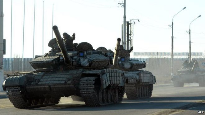 Rebel tanks in Luhansk, file pic