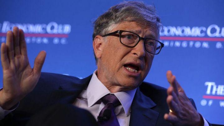 """Bill Gates confiesa """"el mayor error"""" de su carrera que le hizo perder  US$400.000 millones - BBC News Mundo"""
