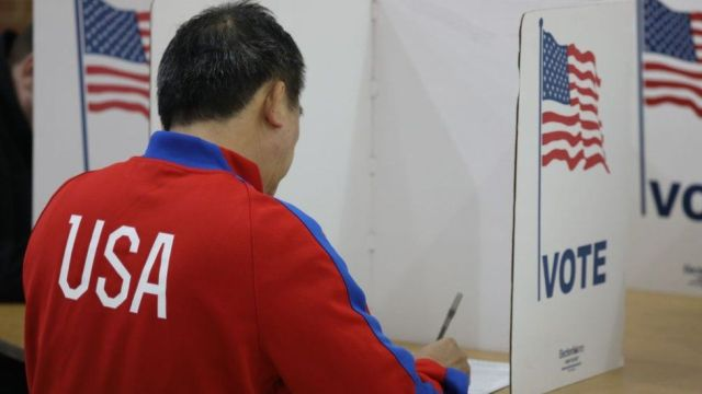 Man voting in US