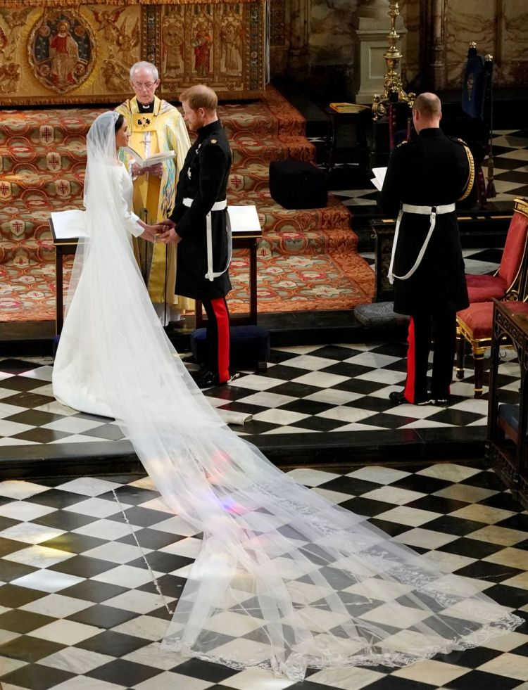 """Meghan Markle in St George""""s Chapel at Windsor Castle during her wedding to Prince Harry"""
