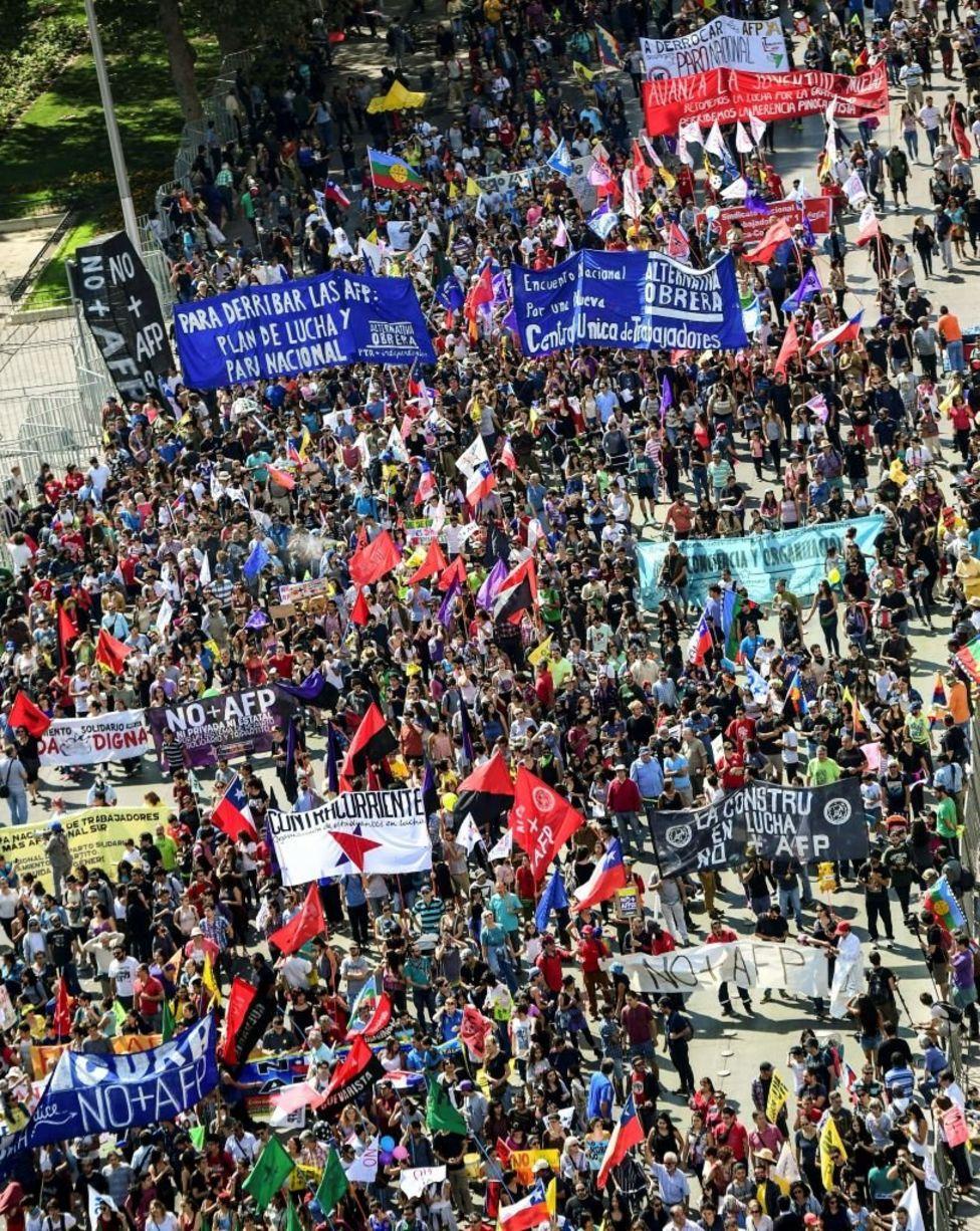 Protesta en Santiago contra las AFP