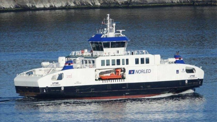 Second-hand ferry deal to boost CalMac network - BBC News