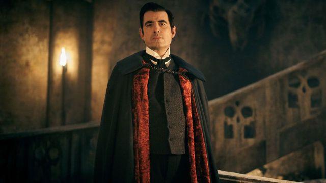 Dracula: Critics applaud 'energetic and fun' revival of vampire classic - BBC News
