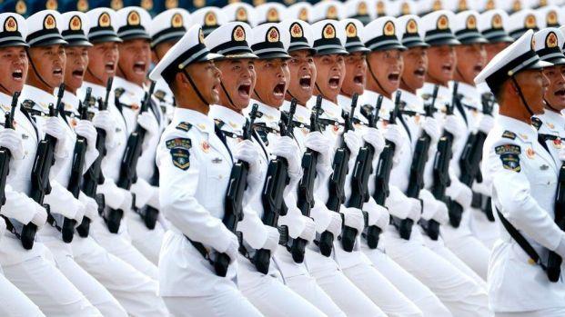 Soldados en desfile militar de China, 1 de octubre de 2019.