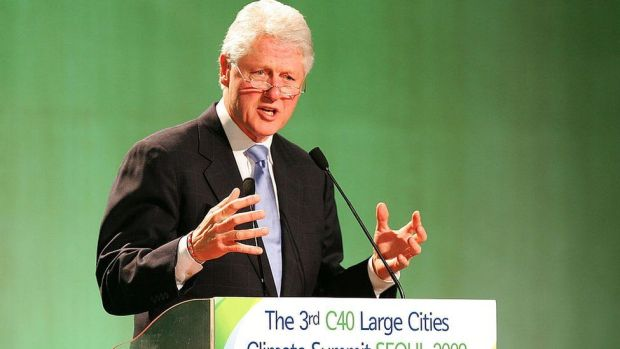 Bill Clinton speaking at the 2009 C40 conference