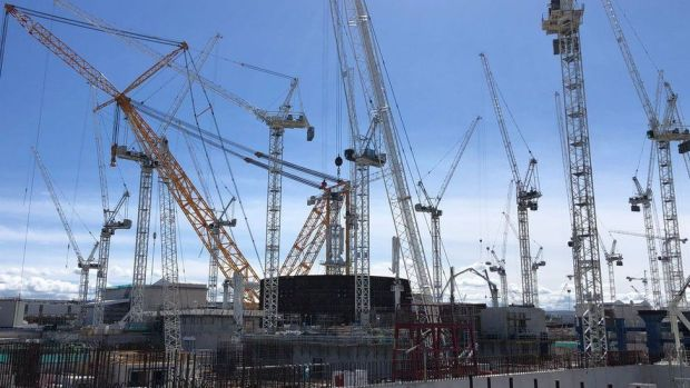 Cranes at the Hinkley site