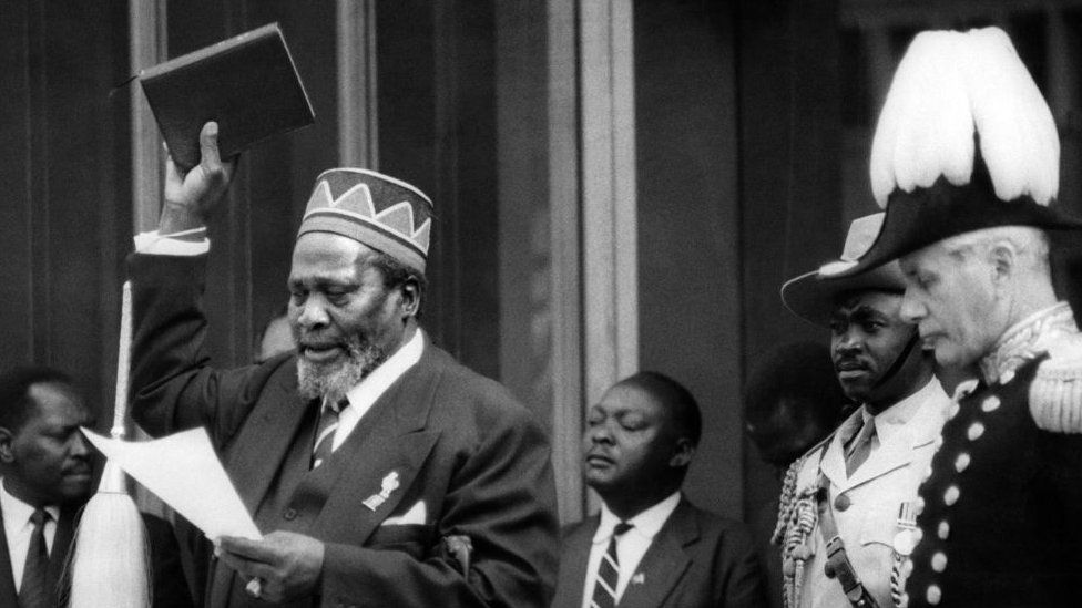 Jomo Kenyatta, takes the oath during a swearing-in ceremony, June 01, 1963 in Nairobi as he becomes Prime minister of the autonomous Kenyan governmen
