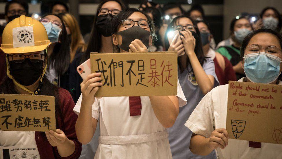 有调查指出通识科没有令香港青年激进化,但似乎比较成功地提高了中学生的公民意识。