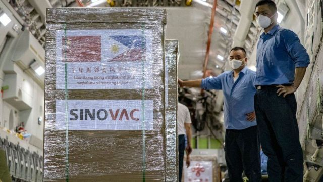 The first shipment of the Sinovac vaccine reaches the Philippines