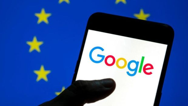 Google logo in front of an EU flag