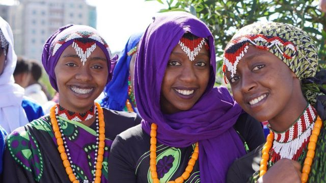 Women in traditional costume