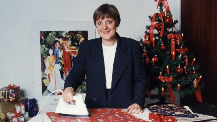 Merkel, Angela - Politike, CDU, Gjermani, Ministre Federale për Mjedisin, Gjermani - hekurosje letre ambalazhi - 1994