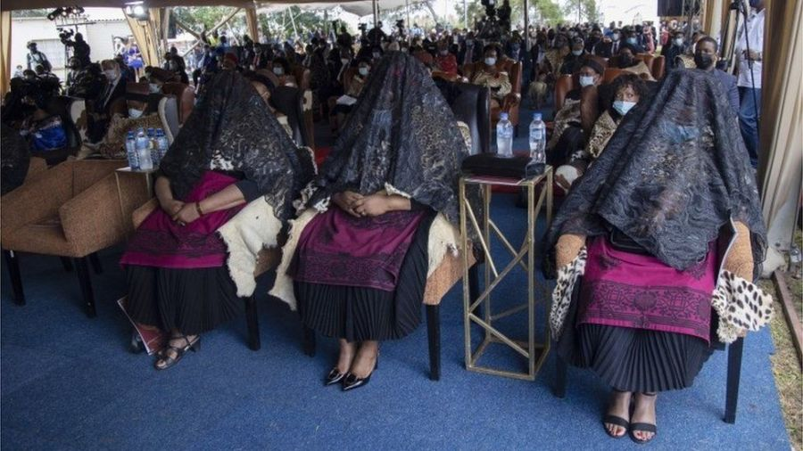 "The King""s wives grieve during the memorial for the late Zulu monarch, King Goodwill Zwelithini at the KwaKhethomthandayo Royal Palace in Nongoma, South Africa, 18 March 2021."