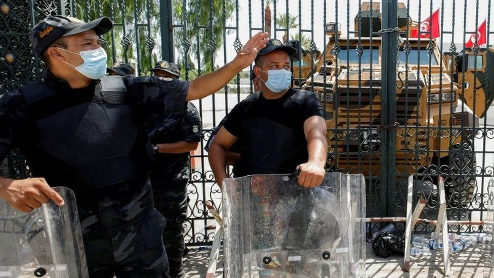 Tunisian police deployed near the parliament building in Tunis. Photo: 26 July 2021