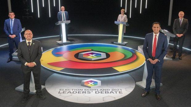 leaders on set