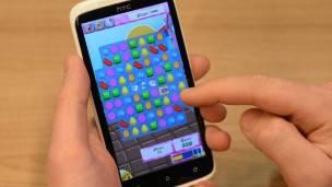 Candy Crush tiene millones de jugadores, pero también hay muchísimos usuarios que no quieren jugar... aunque les insistan en la invitación.