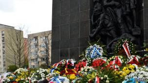 monumento gueto varsovia
