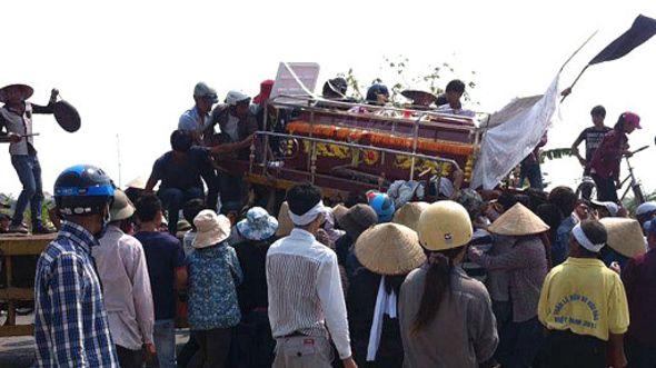 Vụ quan tài diễu phố ở Móng Cái, Quảng Ninh