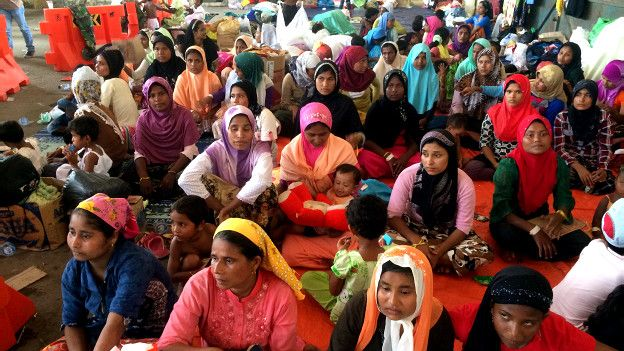 रोहिंग्या मुसलमान बच्चे और महिलाएँ