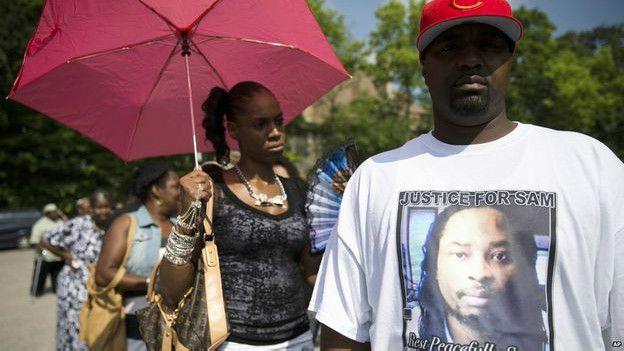 Protestas a la salida del funeral de Samuel DuBose