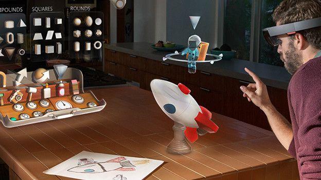 Las gafas Hololens permiten interactuar con hologramas.