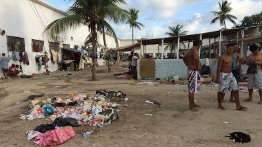 Presos y residuos en una cárcel del estado brasileño de Pernambuco.